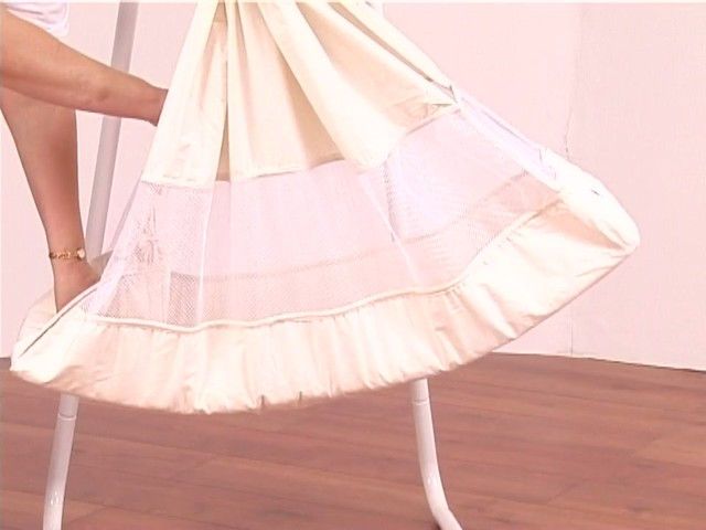Amby Natures Nest Cot Product Features - image 3 from the video