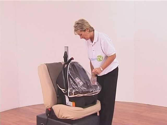 Hauck Lifesaver Plus  Car Seat - image 1 from the video