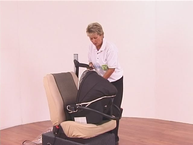 Hauck Lifesaver Plus  Car Seat - image 7 from the video