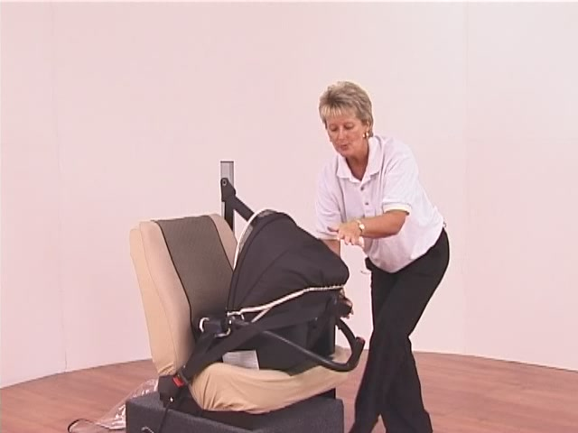 Hauck Lifesaver Plus  Car Seat - image 9 from the video