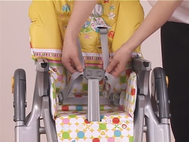 Brevi Jupiter Classic Highchair Product Features - Kddicare - image 7 from the video