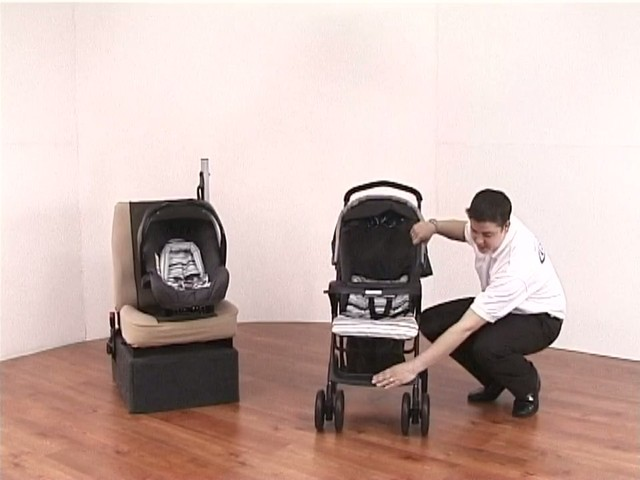 Graco Mirage Travel System - image 3 from the video