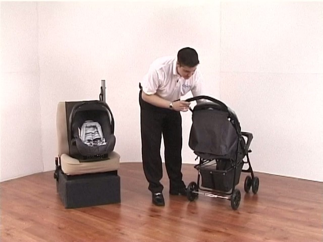 Graco Mirage Travel System - image 4 from the video