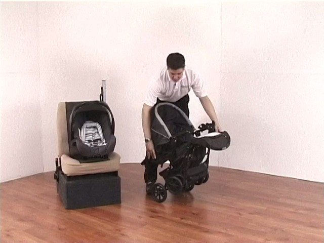 Graco Mirage Travel System - image 6 from the video