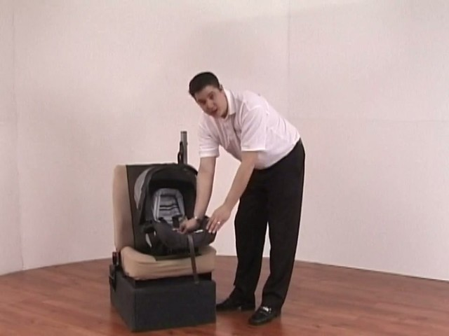 Graco Mirage Travel System - image 7 from the video