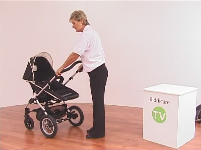 Hauck Infinity Pushchair and Carrycot - image 2 from the video