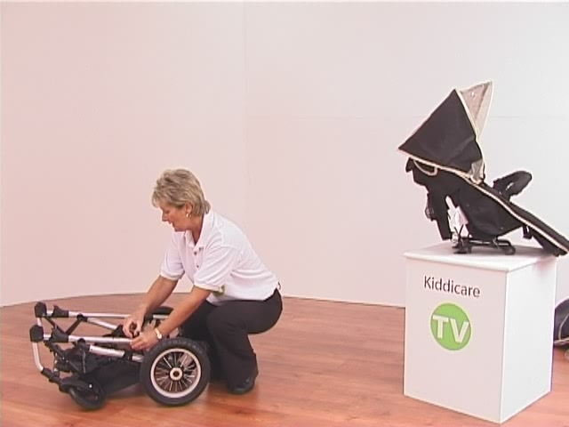 Hauck Infinity Pushchair and Carrycot - image 5 from the video